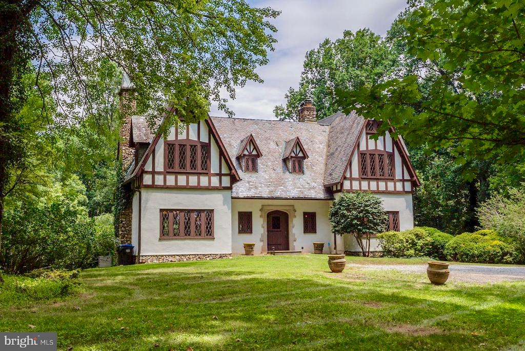 TROXELL MANOR - 1920's Tudor Revival - 8110 GEORGETOWN PIKE, MCLEAN