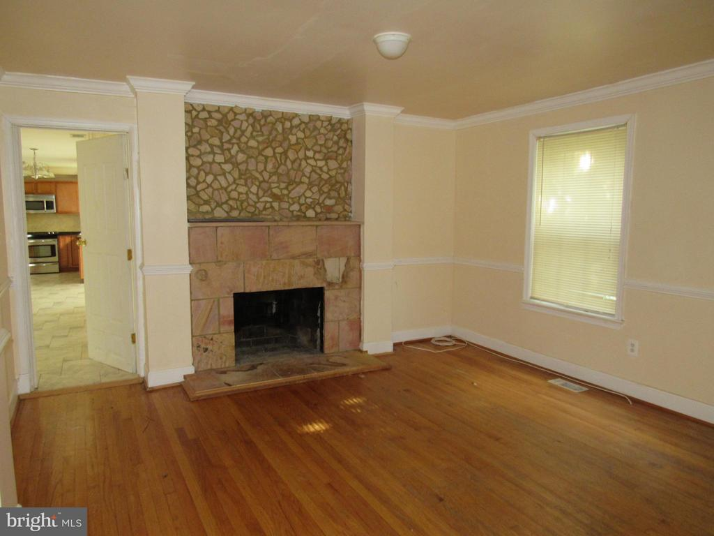 Family Room Main Level - 4325 ROBERTS AVE, ANNANDALE