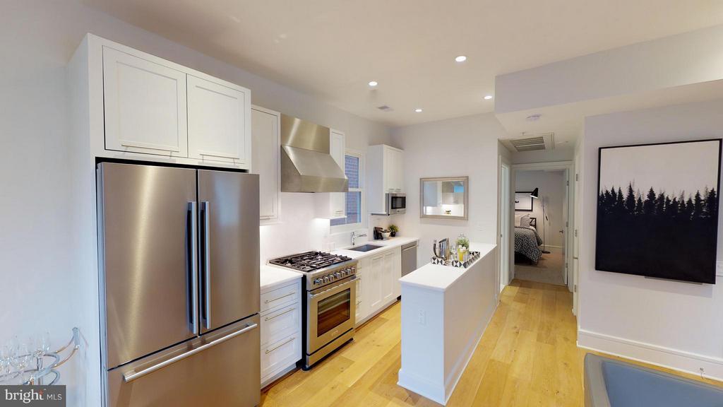 Kitchen - 3211 WISCONSIN AVE NW #103, WASHINGTON