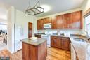 Renovated kitchen - 1501F N COLONIAL TER, ARLINGTON