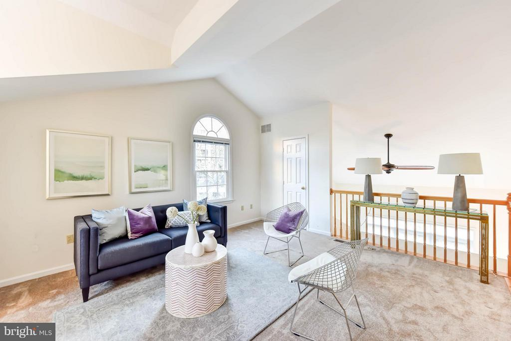 Lofted office/den can be converted back to bedroom - 1501F N COLONIAL TER, ARLINGTON