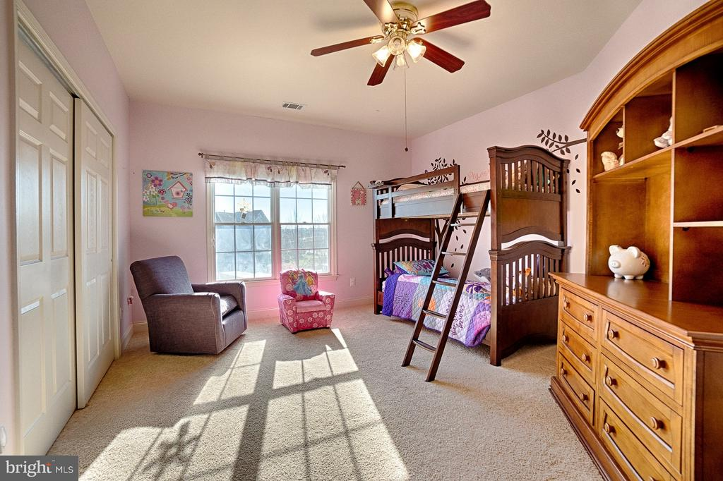 3rd bedroom with Jack-and-Jill bath - 43256 HARPER MANOR CT, ASHBURN