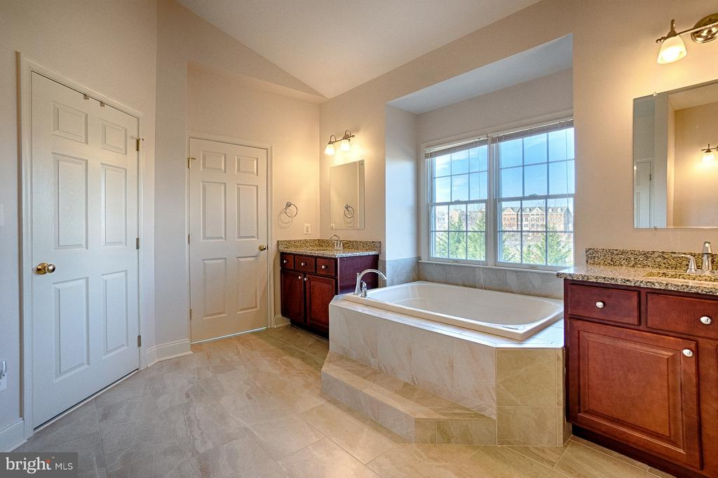 NEWLY (2018) remodeled master bathroom - 43256 HARPER MANOR CT, ASHBURN