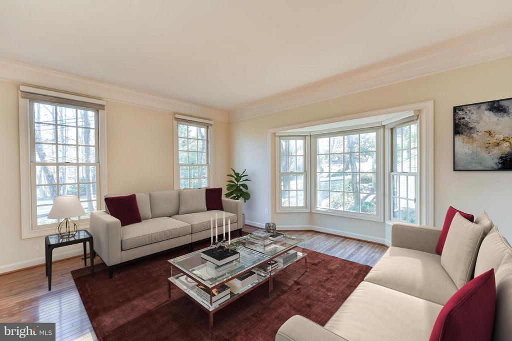 Living Room - 8608 WOODLAND HEIGHTS CT, ALEXANDRIA