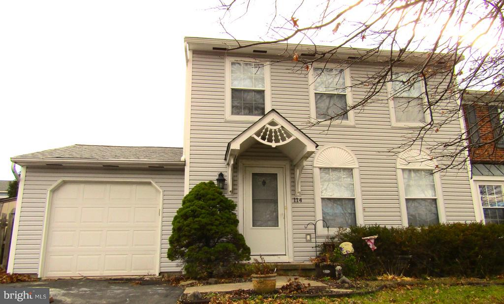 114 COVENTRY CIR, Lansdale PA 19446