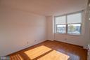 Large master bedroom! - 1200 BRADDOCK PL #705, ALEXANDRIA