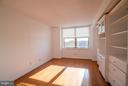 Great natural light in the bedroom! - 1200 BRADDOCK PL #705, ALEXANDRIA