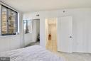 Another view of the master bedroom - 1001 N RANDOLPH ST #223, ARLINGTON