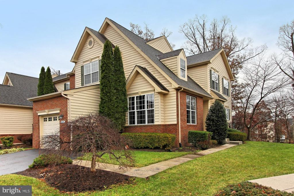 43577  DUNHILL CUP SQUARE, Ashburn, Virginia