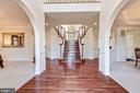 Expansive Foyer w/ Split Staircase - 20290 KIAWAH ISLAND DR, ASHBURN