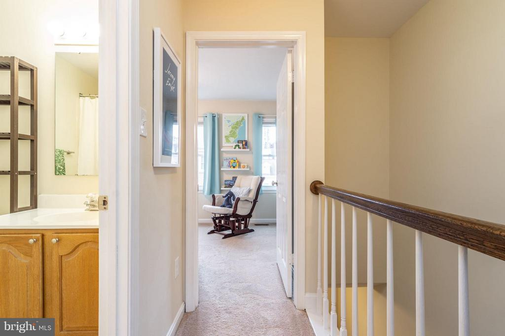 Upstairs Hallway - 1130 N STAFFORD ST #B, ARLINGTON