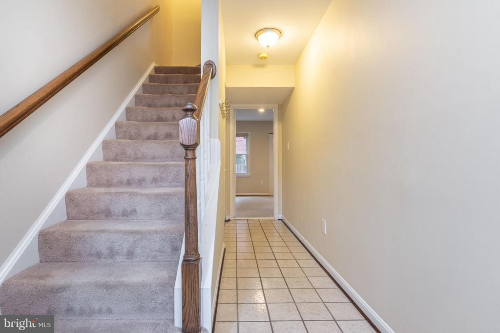 Entryway - 1130 N STAFFORD ST #B, ARLINGTON