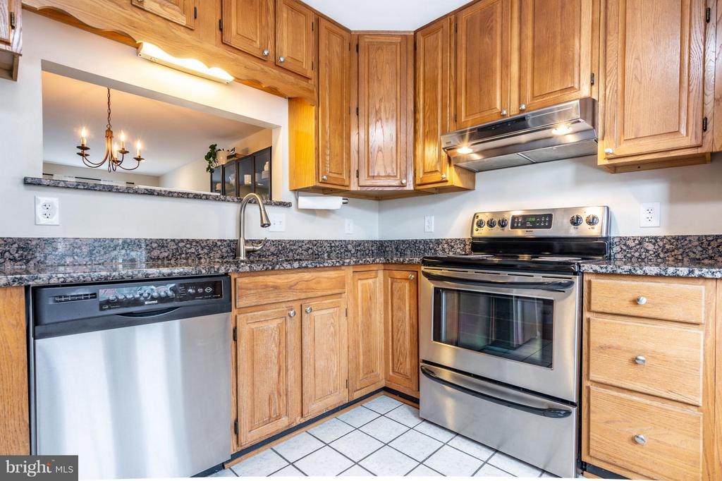 Kitchen - 1130 N STAFFORD ST #B, ARLINGTON