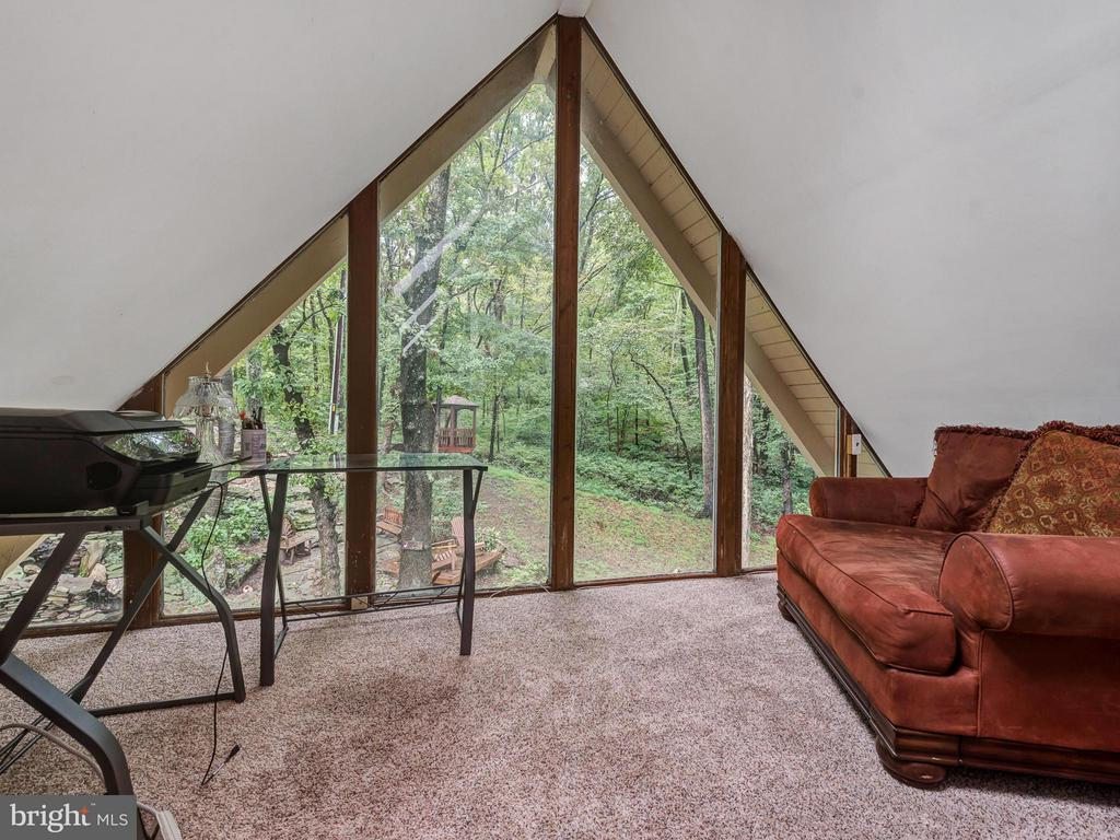 Enjoy the outside while being inside - 7621 STEWART HILL RD, ADAMSTOWN