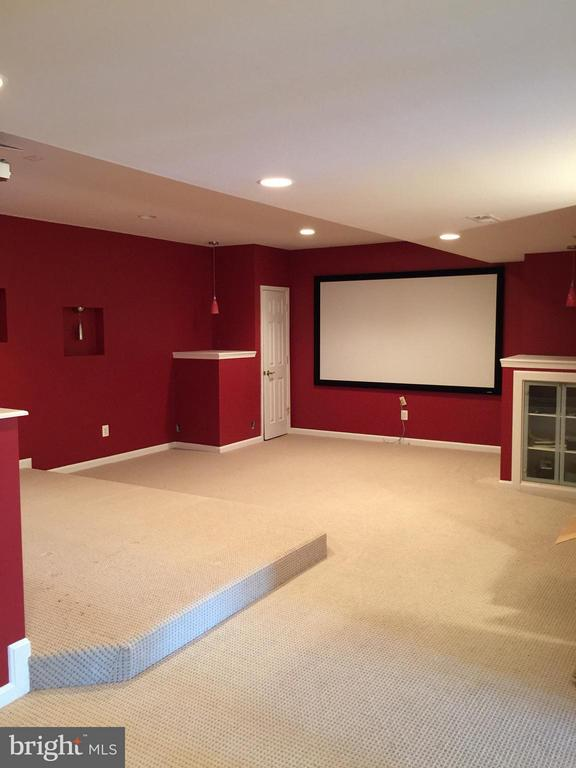 Theatre Room with raised seating prewired. - 22301 ESSEX VIEW DR, GAITHERSBURG