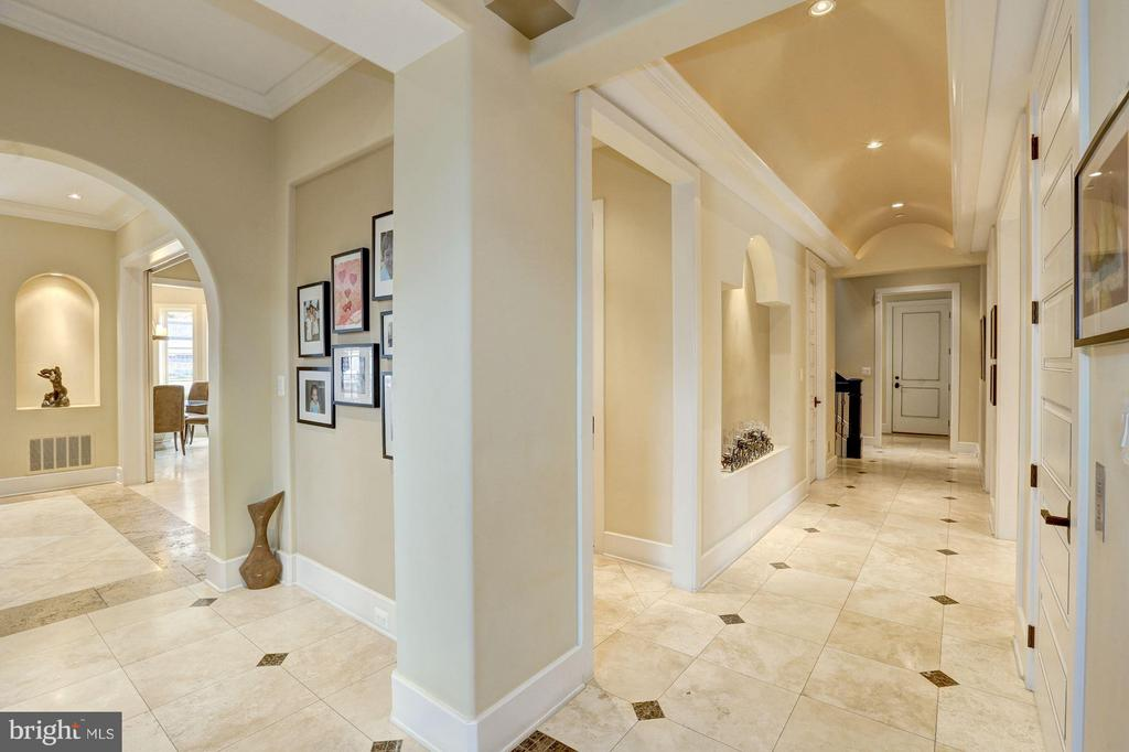 Magnificent Two story Foyer - 8505 MEADOWLARK LN, BETHESDA