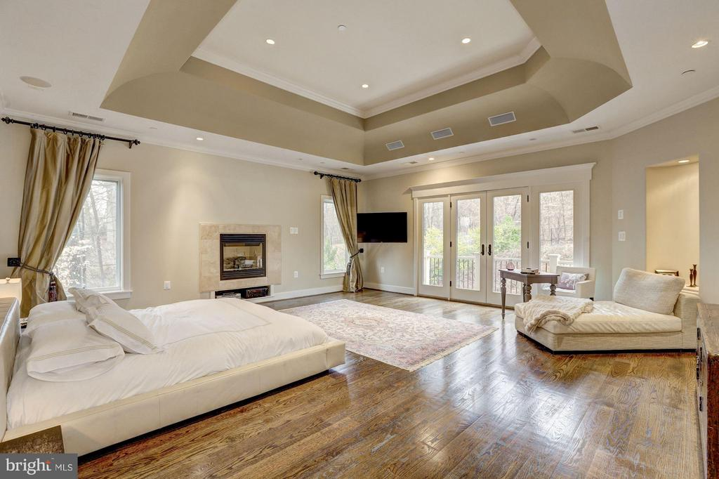 Bedroom (Master) - 8505 MEADOWLARK LN, BETHESDA