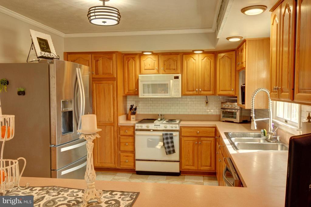 Kitchen - 1028 NOBLE LN, BERRYVILLE