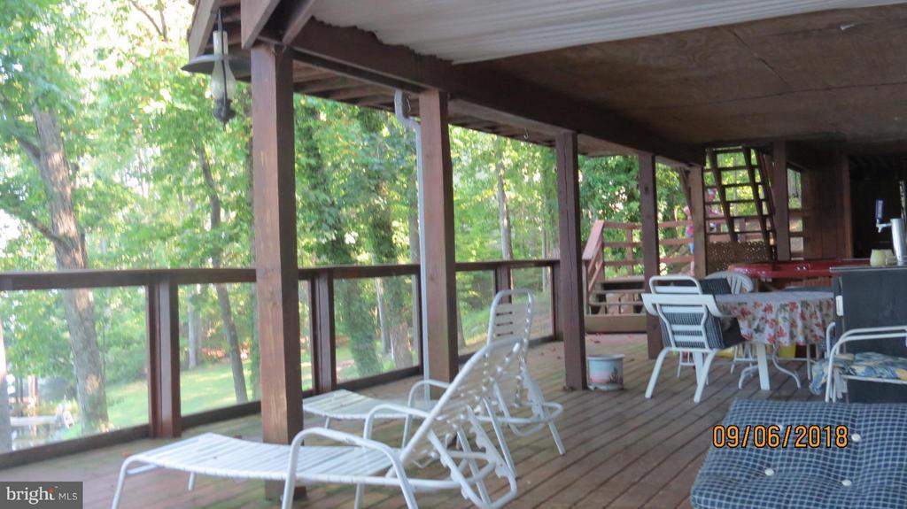 main level deck toward lake-beautiful - 7313 OAKWOOD DR, ORANGE