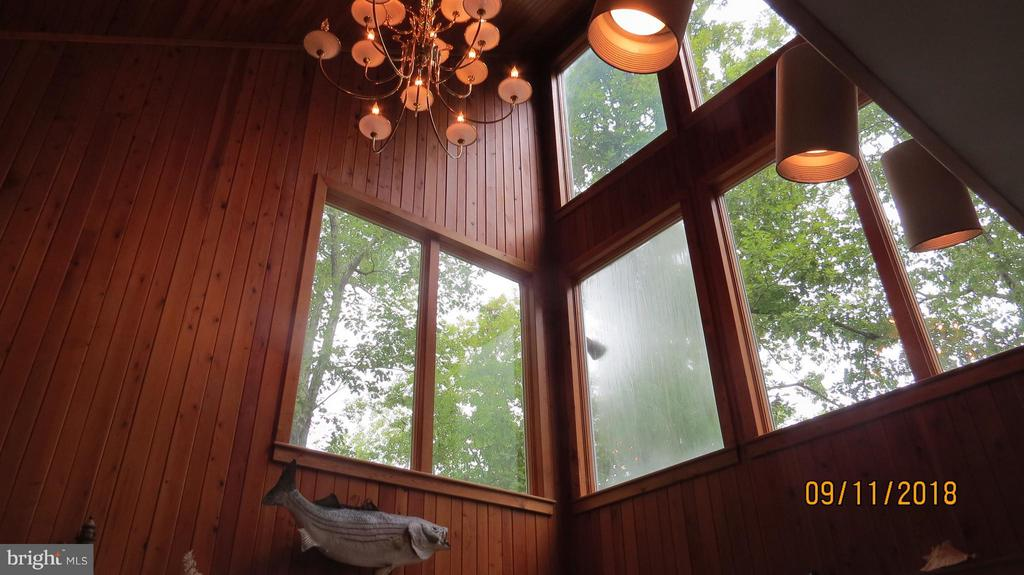Living Room - 7313 OAKWOOD DR, ORANGE