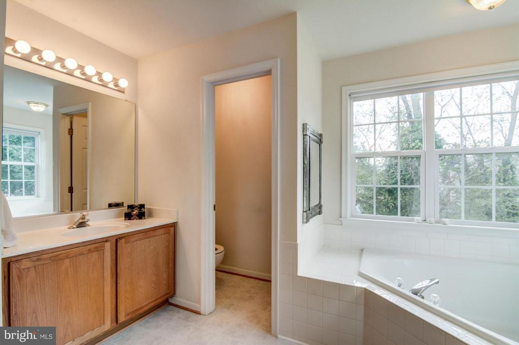 Master Bathroom with Tub, and Shower - 65 SAINT GEORGES DR, STAFFORD