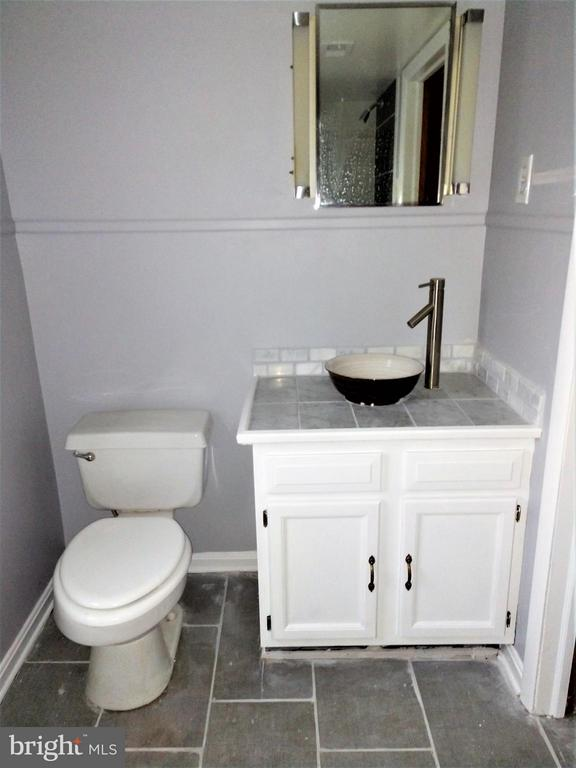 Master Bathroom - 620 N MAPLE AVE, BRUNSWICK