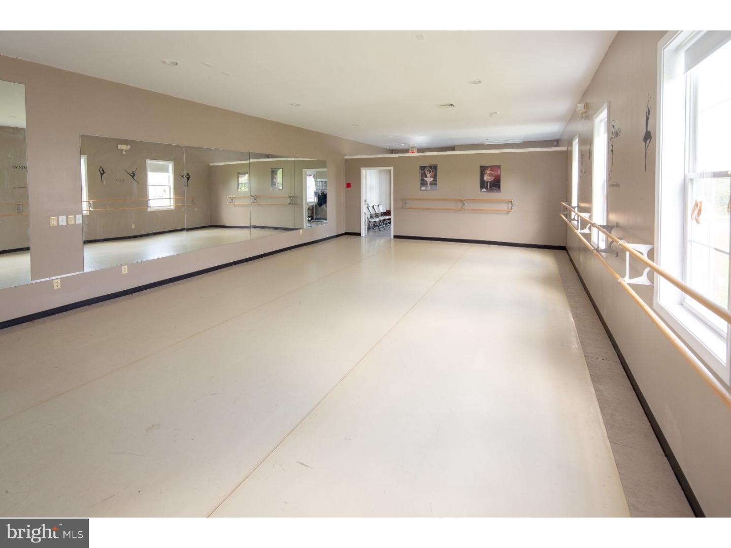 Additional photo for property listing at  West Amwell, 新泽西州 08530 美国