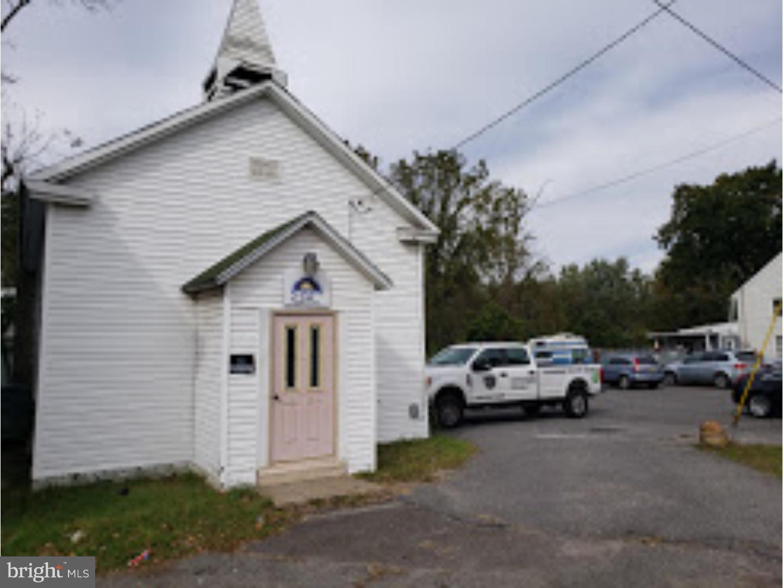 för Försäljning vid 1309 MONMOUTH Road Mount Holly, New Jersey 08060 Förenta staterna