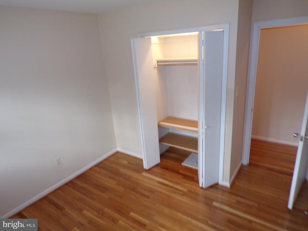 Bedroom-2 Closet - 8803 NW HIGDON DR, VIENNA