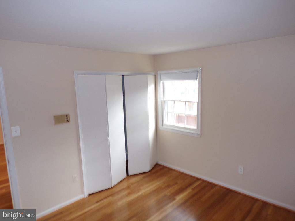 Bedroom-3 Closet - 8803 NW HIGDON DR, VIENNA