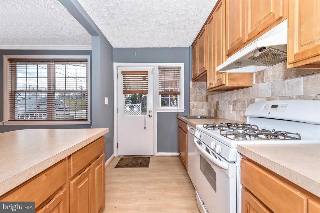 Kitchen - 7107 GOUGH ST, BALTIMORE