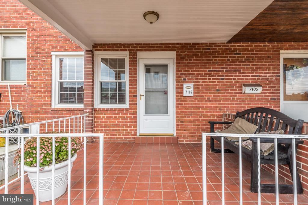 Front Porch - 7107 GOUGH ST, BALTIMORE