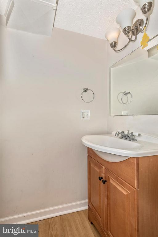Basement Powder Room - 7107 GOUGH ST, BALTIMORE
