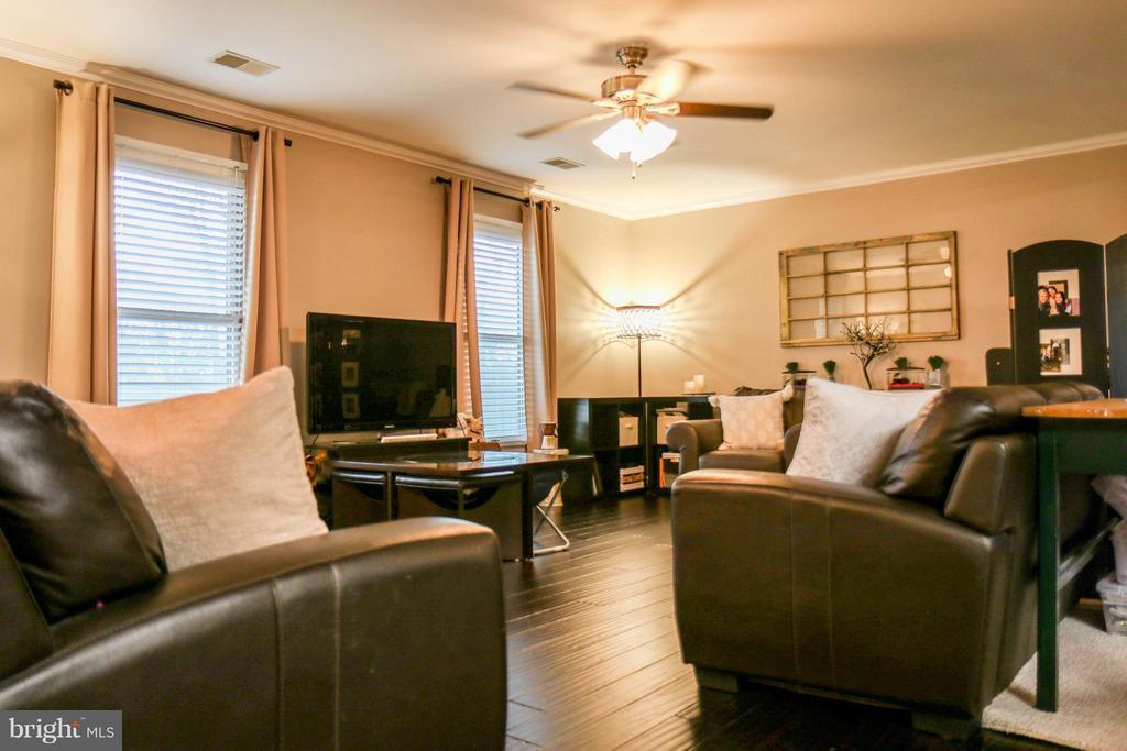 Living Room   217 DIVINE DR, MARTINSBURG