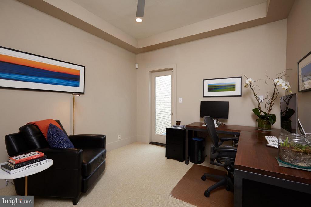 Third bedroom w/ door to balcony - 1217 T ST NW, WASHINGTON