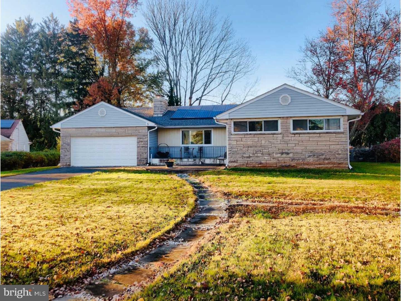 Частный односемейный дом для того Продажа на 3 MANOR Drive Ewing Township, Нью-Джерси 08628 Соединенные ШтатыВ/Около: Ewing Township