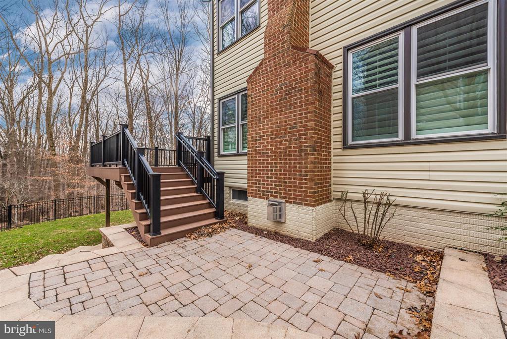 paver back patio - 9614 WOODLAND RD, NEW MARKET