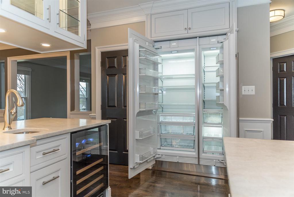 Sub-Zero custom refrigerator - 9614 WOODLAND RD, NEW MARKET