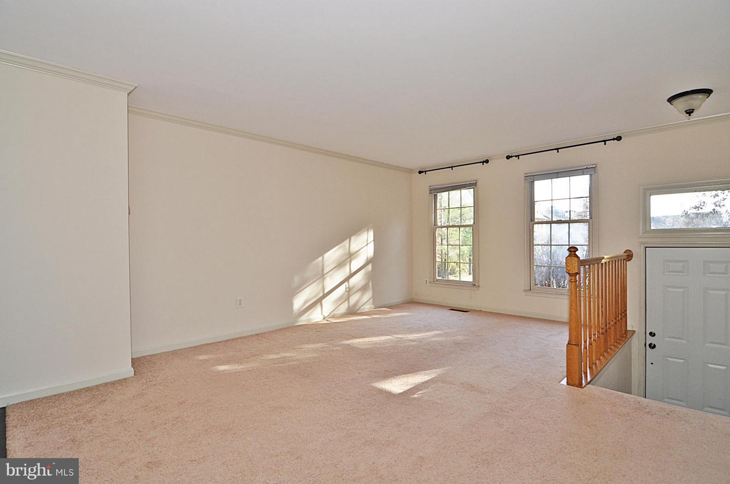 Additional photo for property listing at 1231 Quaker Hill Dr 1231 Quaker Hill Dr Alexandria, Virginia 22314 United States
