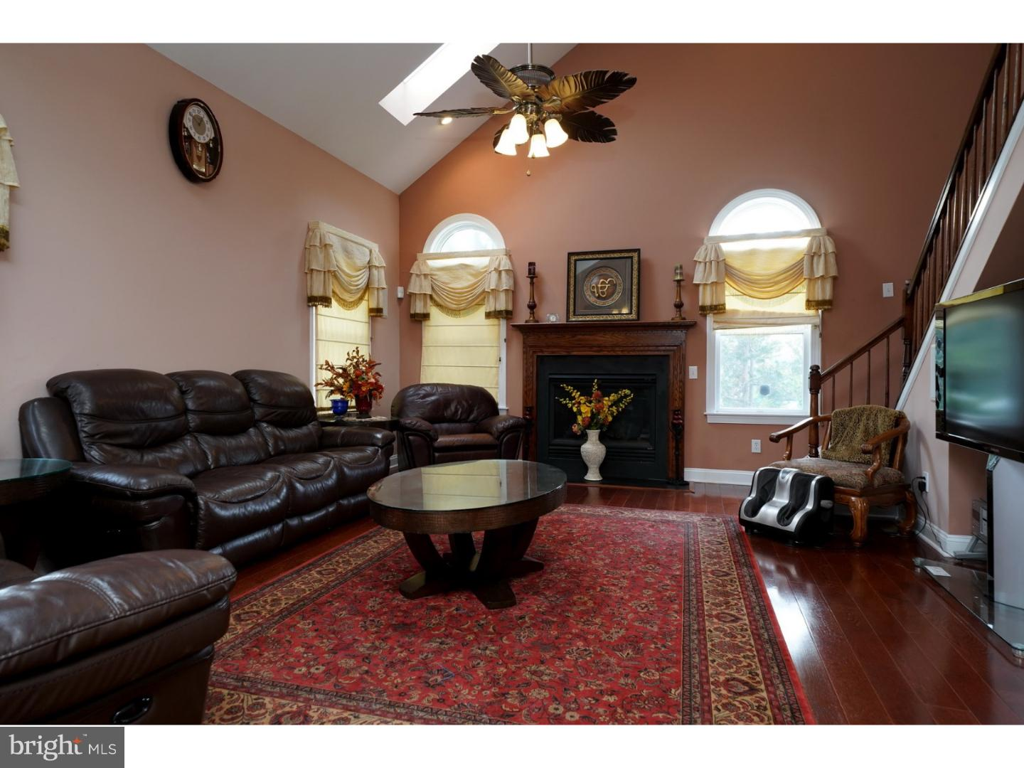 Additional photo for property listing at 1 CARDINAL Drive  Plainsboro, New Jersey 08536 United States