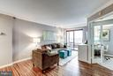 Welcome to the Summerville model! 1 BR + den + sun - 2400 CLARENDON BLVD #816, ARLINGTON