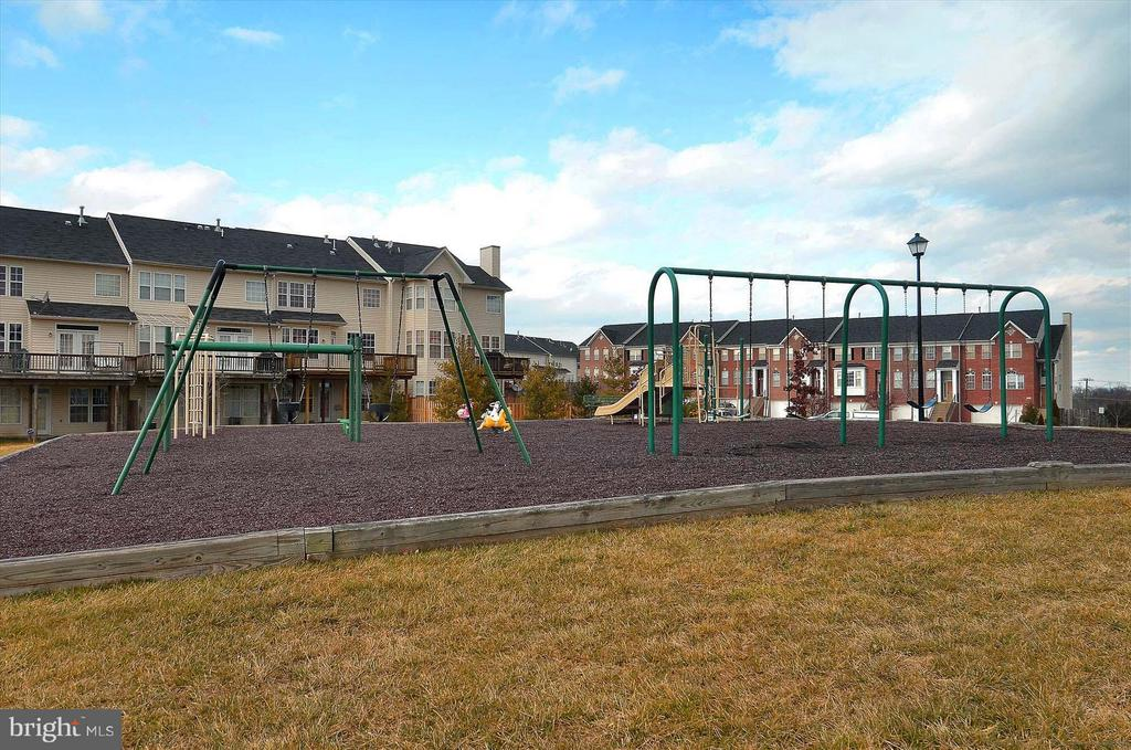 One of the neighborhood playgrounds - 43154 PARKERS RIDGE DR, LEESBURG