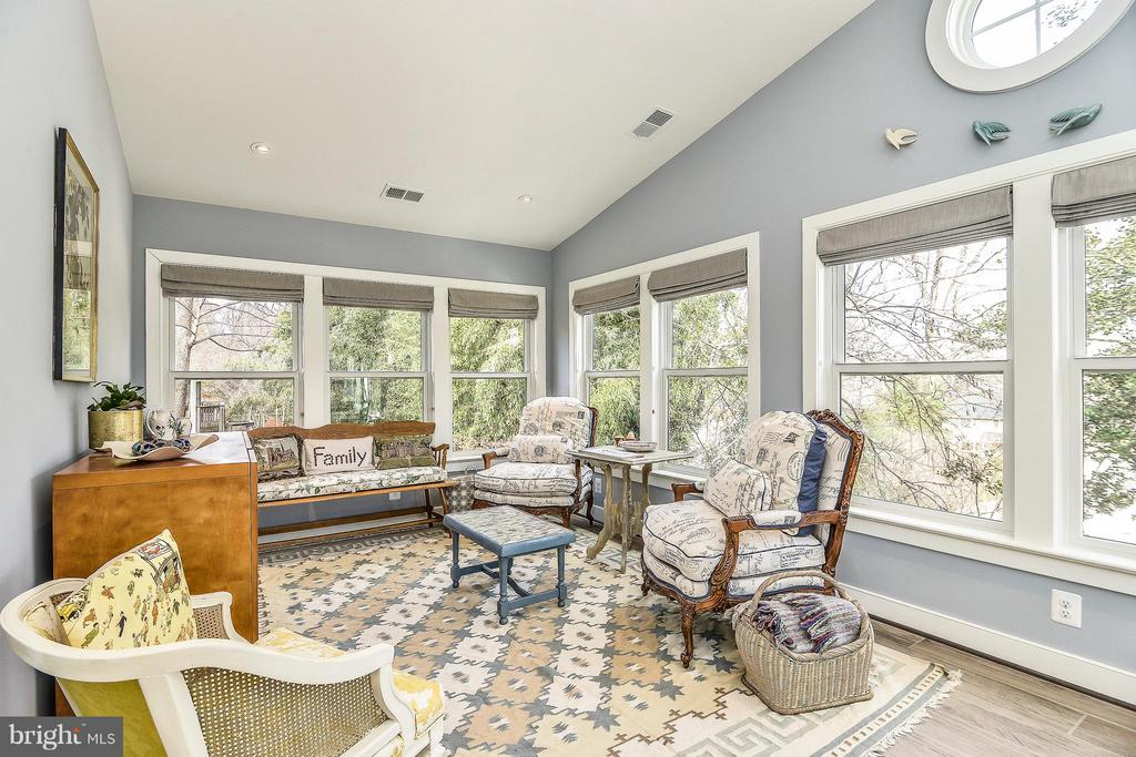 Family Sun Room - 2616 WEST STREET, FALLS CHURCH