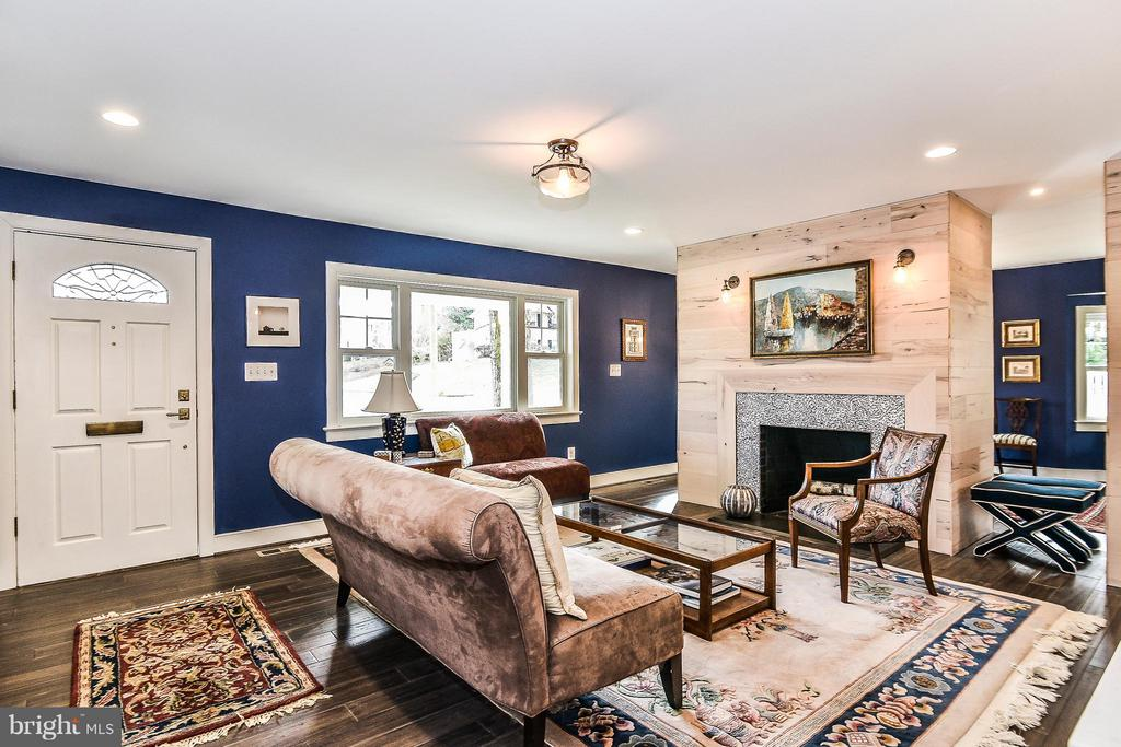 Entry and Living Room - 2616 WEST STREET, FALLS CHURCH