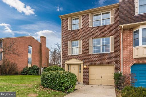 8015 HOLLOW REED CT