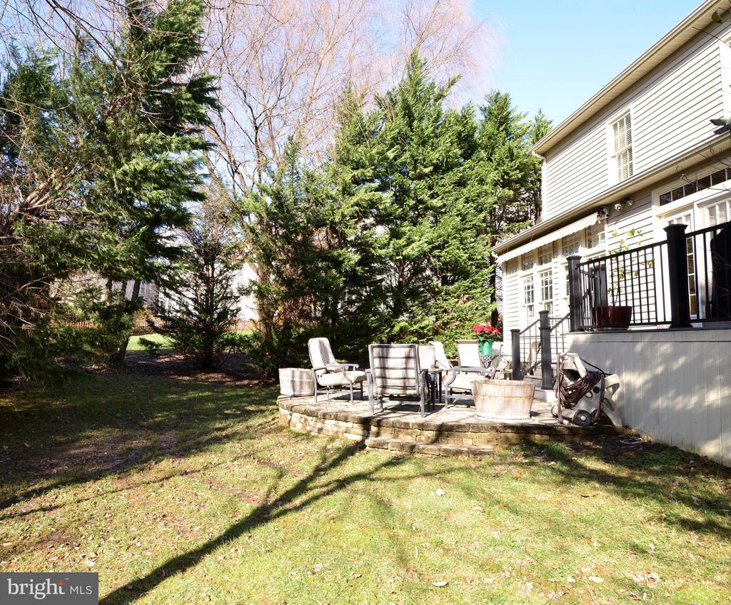 Private Backyard with Exterior Lighting - 21439 BASIL CT, BROADLANDS