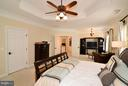 Master Bedroom with Sitting Area - 21439 BASIL CT, BROADLANDS