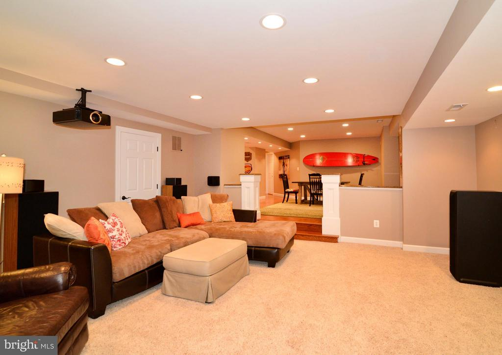 Open Floor Plan, Perfect for Parties! - 21439 BASIL CT, BROADLANDS