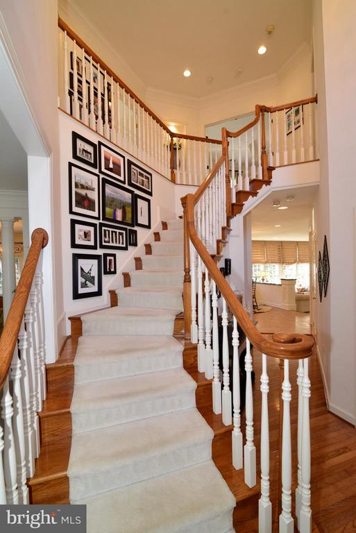 Entryway winding staircase - 21439 BASIL CT, BROADLANDS