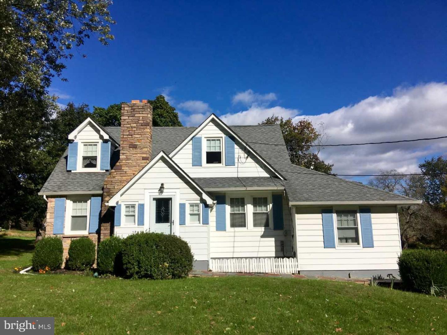 Single Family Home for Sale at 137 HOPEWELL WERTSVILLE Road Hopewell, New Jersey 08525 United StatesMunicipality: Hopewell Township